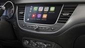 Opel, giù le mani dallo smartphone: c'è la gamma IntelliLink