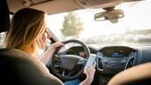 Telefono al volante, aziende preoccupate per i dipendenti