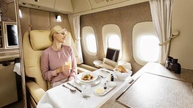 Mercedes fra le nuvole con Emirates. Prima classe o ammiraglia?