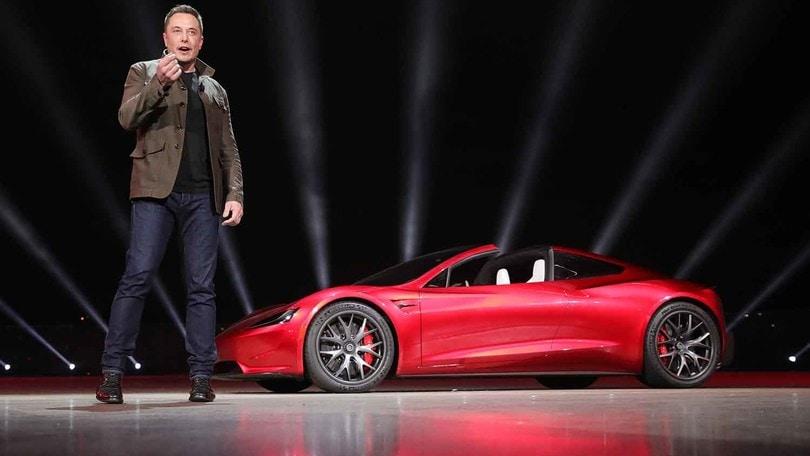 Musk esagera, promette lo Special Option Package per Tesla Roadster