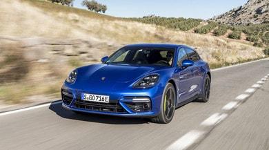 Porsche, anche la Panamera Sport Turismo diventa un'ibrida stellare
