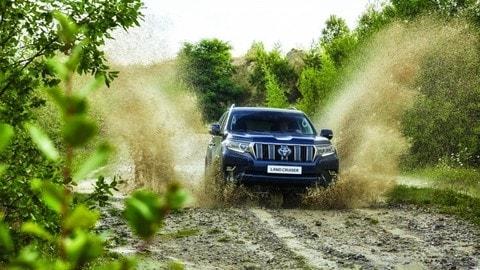 Toyota Land Cruiser 2018: foto