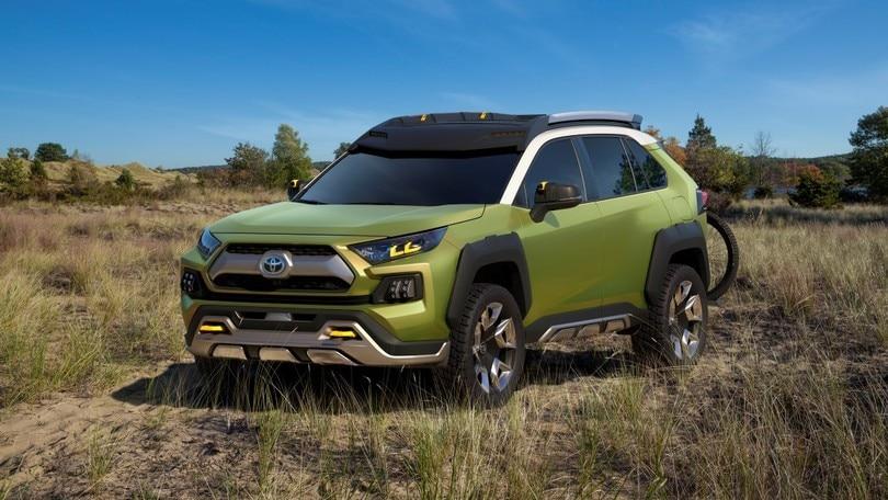 Toyota FT-AC Concept: l'ibrido che aguzza l'ingegno