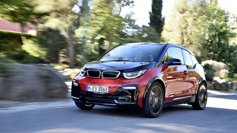 BMW i3 s, la (ri)scossa della compatta elettrica: la prova