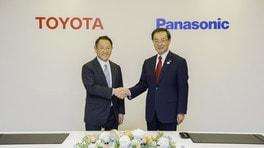 Toyota carica le batterie, alleanza strategica con Panasonic