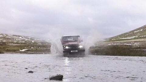 Land Rover, Defender riscopre il motore V8