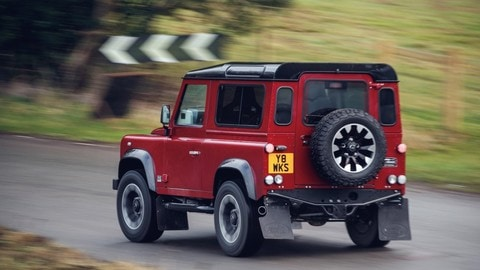 Land Rover Defender Works, il ritorno del V8: foto