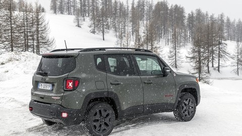 Jeep Renegade 2018: foto