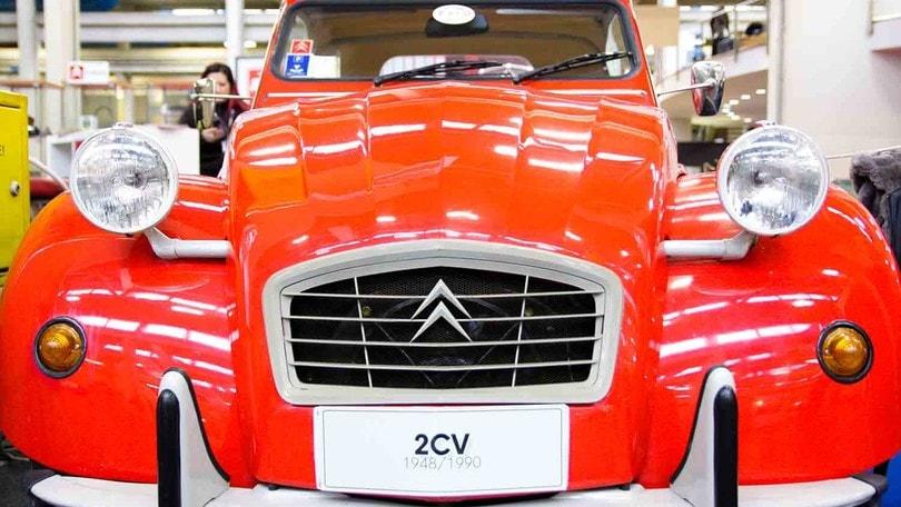 Automotoretrò, show dei motori d'Epoca al Lingotto
