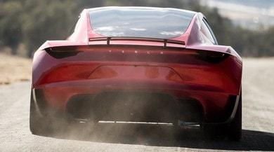 Tesla Roadster, la seconda generazione esiste. E va come un fulmine