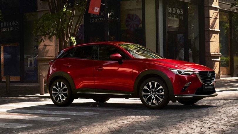 Mazda CX-3, motori più virtuosi e assistenti aggiornati