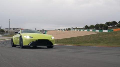 Aston Martin V8 Vantage: la prova in pista