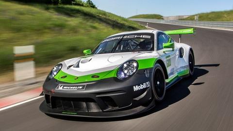 Porsche 911 GT3 R, sviluppi da corsa: foto