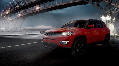 Jeep Compass Night Eagle, sportiva e dark