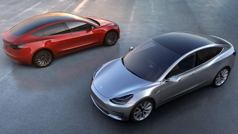 Tesla Model 3 Performance, più sprint quando i risultati mancano