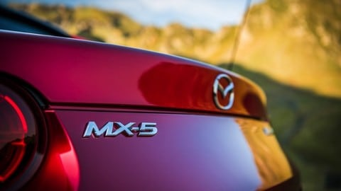 Mazda MX-5 2019 Soft Top e RF: le foto