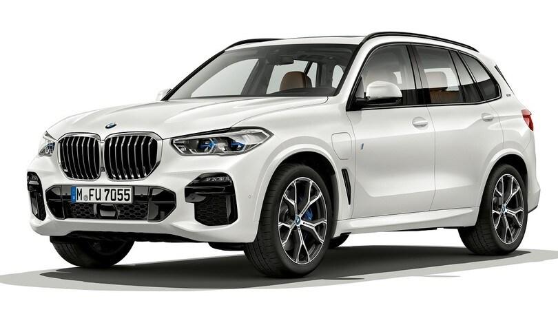 Nuova BMW X5 ibrida plug-in, sviluppi elettrici da primato