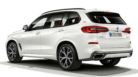 Nuova BMW X5 ibrida plug-in: foto