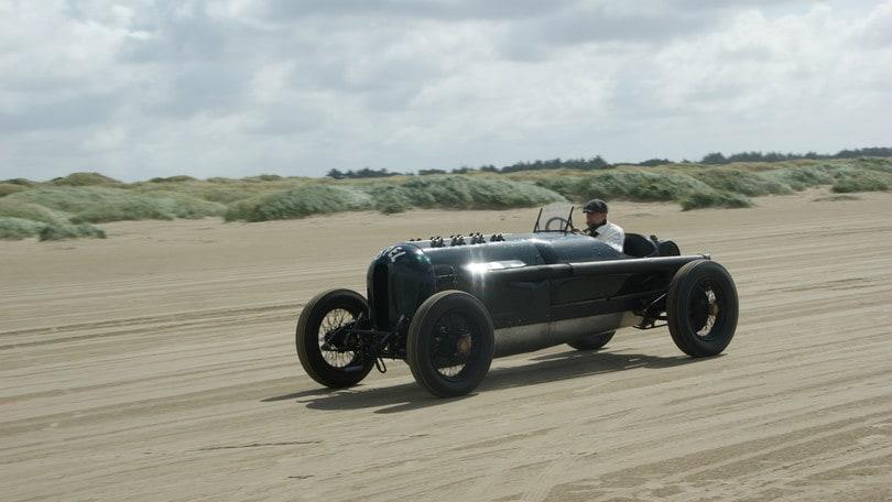 """Opel, un """"mostro"""" da 260 cavalli"""