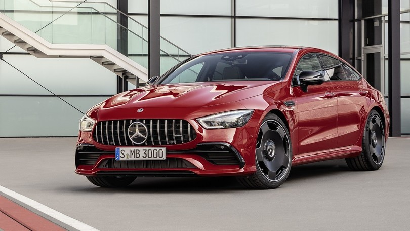 "Mercedes-AMG GT 4 porte, arrivano gli ""entry level"" da 100 mila euro"