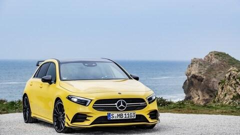Mercedes-AMG A 35 4Matic: foto
