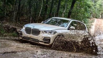 BMW X5, ecco l'auto totale: prova su strada