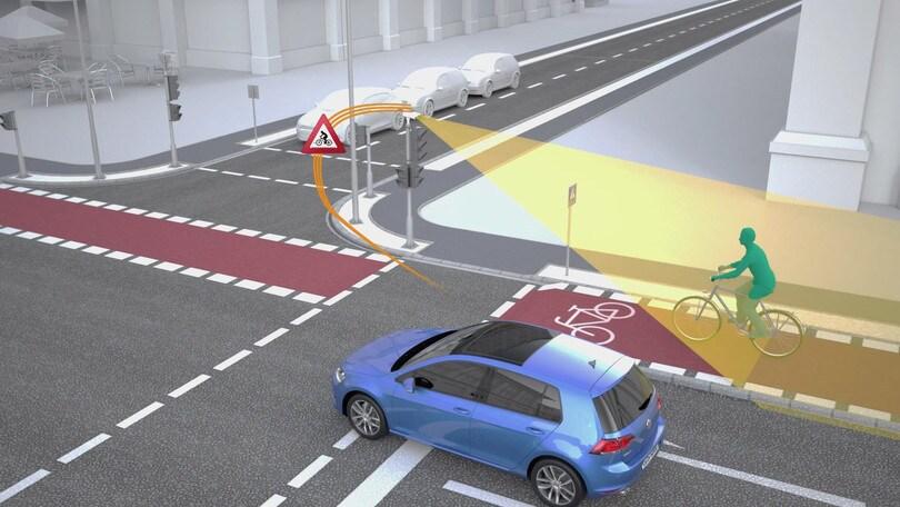 Auto che comunica col semaforo, ci lavorano Volkswagen e Siemens