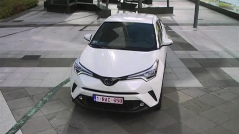 Toyota CH-R Hybrid: video
