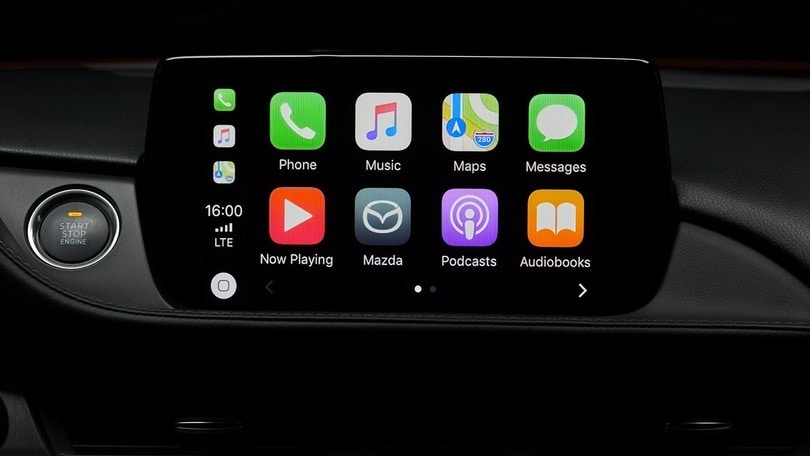 Rivoluzione CarPlay: ora ci sono Waze e Google Maps