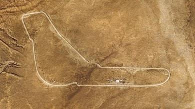 Bmw X5 traccia Monza nel Sahara