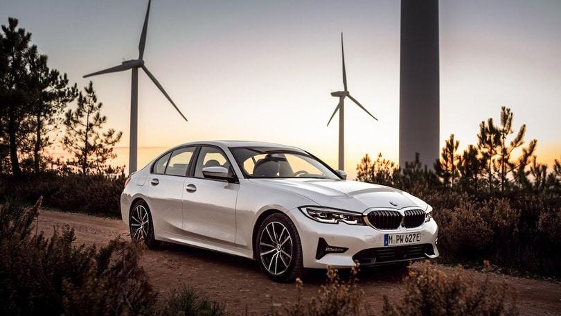 Nuova BMW 330e, l'XtraBoost dà la spinta all'ibrido