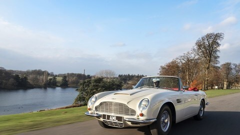 Aston Martin DB6 elettrica: foto