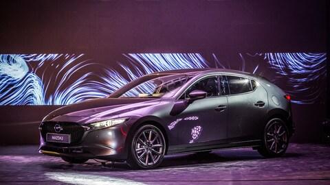Nuova Mazda 3: prezzi e allestimenti: foto
