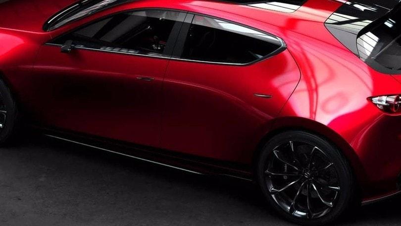 Mazda3, forma e sostanza per tutti: Diesel, benzina, ibrida. Arriva a marzo
