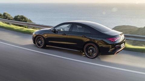 Nuova Mercedes CLA: foto