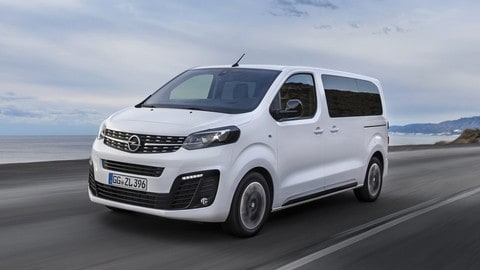 Nuova Opel Zafira Life: foto