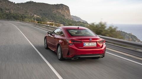 Lexus RC Hybrid: foto
