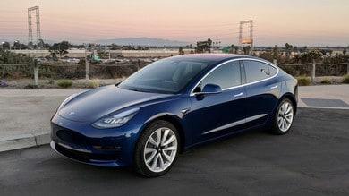 Tesla Model 3, consegne in ritardo e polemiche in USA
