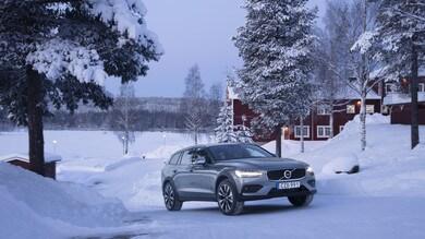 Volvo V60 Cross Country, a prova di Artico