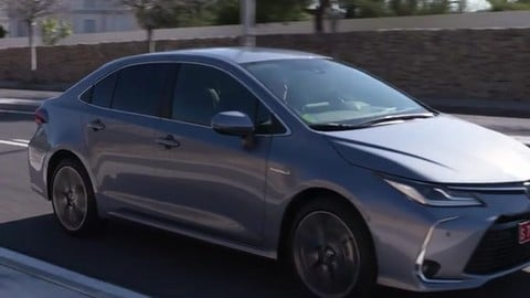 Video: Toyota Corolla Hybrid 2019