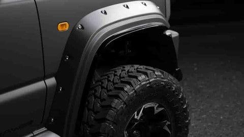 Suzuki Jimny Black Bison: foto