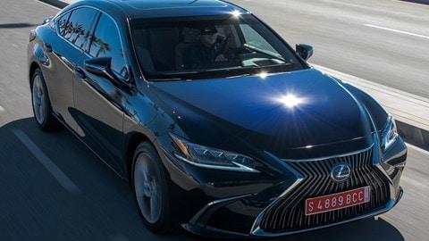 Lexus ES: foto
