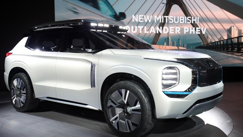 Mitsubishi Engelberg Tourer Concept anticipa Outlander