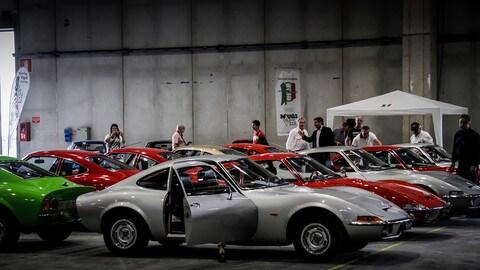 Le auto storiche sfilano al Verona Legend Cars: foto