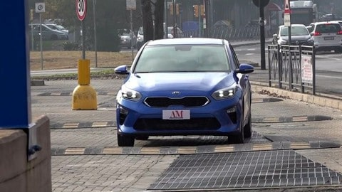 Kia Ceed: prova su strada VIDEO