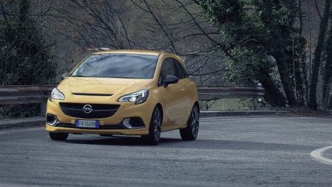 Opel Corsa GSi in Val Seriana VIDEO