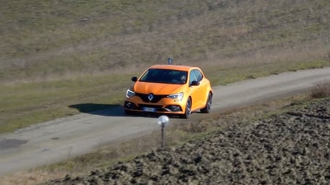 Renault Megane RS: sportiva e grintosa alla guida VIDEO