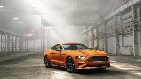 Ford Mustang High Performance: foto