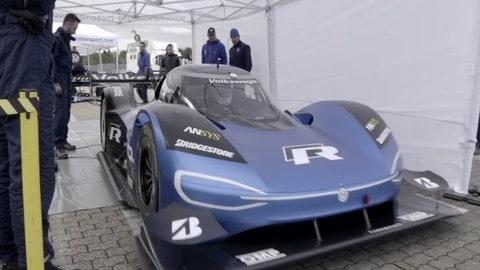 Volkswagen ID R al Nurburgring: video