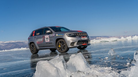 VIDEO: Jeep Grand Cherokee Trackhawk, record sul ghiaccio